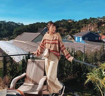 Mặc đồ đi Đà Lạt mùa thu - Công thức 1: Áo len + quần ống rộng
