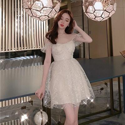 Đầm trắng ánh kim