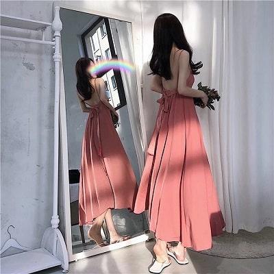 Đầm dài hở lưng