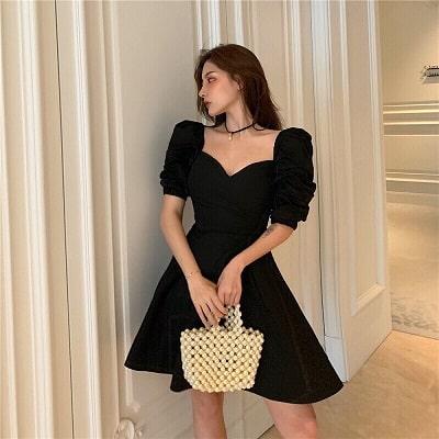 Đầm xoè màu đen