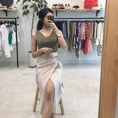 Váy quấn: Những kiểu phối áo thun với váy quần với áo đẹp mê ly - Ảnh 11