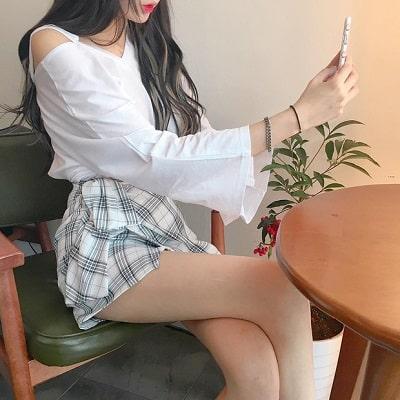 Váy quấn: Những kiểu phối áo thun với váy quần với áo đẹp mê ly - Ảnh 16