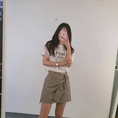Váy quấn: Những kiểu phối áo thun với váy quần với áo đẹp mê ly - Ảnh 18