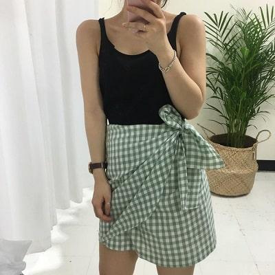 Váy quấn: Những kiểu phối áo thun với váy quần với áo đẹp mê ly - Ảnh 2