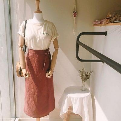 Váy quấn: Những kiểu phối áo thun với váy quần với áo đẹp mê ly - Ảnh 5