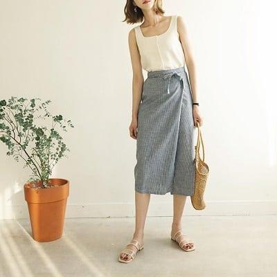 Váy quấn: Những kiểu phối áo thun với váy quần với áo đẹp mê ly - Ảnh 7