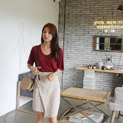 Váy quấn: Những kiểu phối áo thun với váy quần với áo đẹp mê ly - Ảnh 9