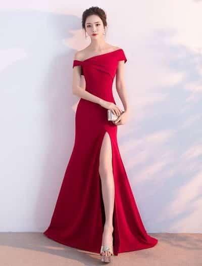 Đầm dạ hội đỏ xẻ cao