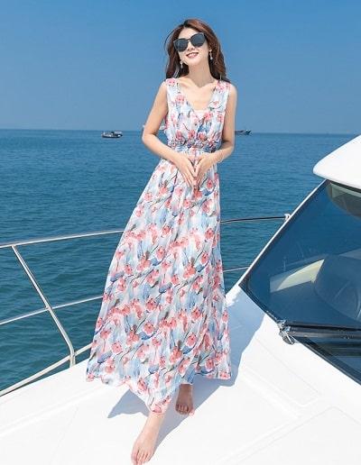 Đầm đi biển: Đầm maxi hoa đa sắc