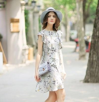 Đầm đi du lịch: Đầm suông hoạ tiết phối bèo