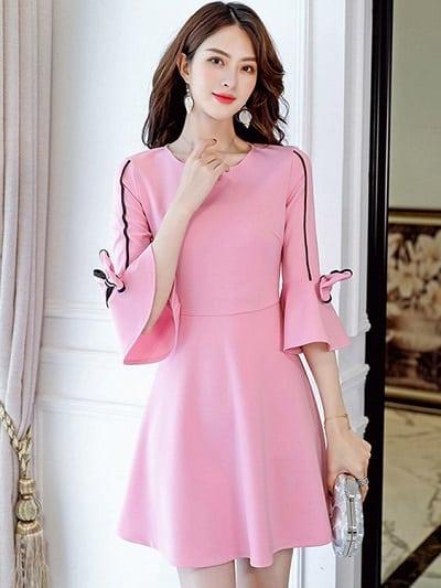 Đầm màu hồng dáng xoè tay bồng