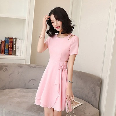 Đầm màu hồng dáng xoè tay ngắn