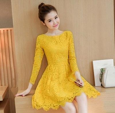 Đầm màu vàng: Đầm xoè tiểu thư tay dài