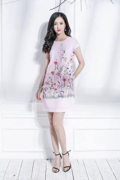 Đầm đẹp tuổi 35: Đầm suông hoạ tiết