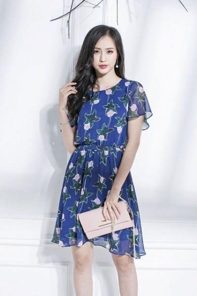 Đầm đẹp tuổi 35: Đầm xoè xanh dương tay ngắn