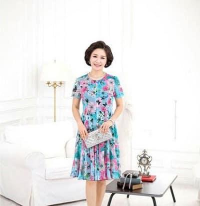 Đầm đẹp tuổi 40: Đầm voan hoa dáng xoè tông xanh