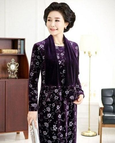 Đầm đẹp tuổi 40: Đầm voan hoa tay dài