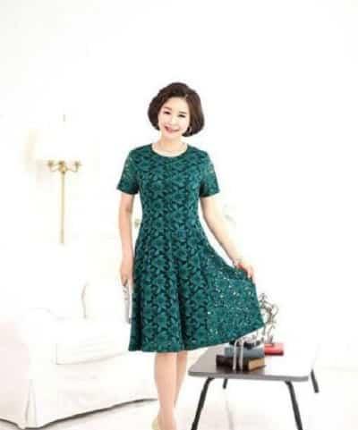 Đầm đẹp tuổi 40: Đầm voan tay ngắn cổ tròn