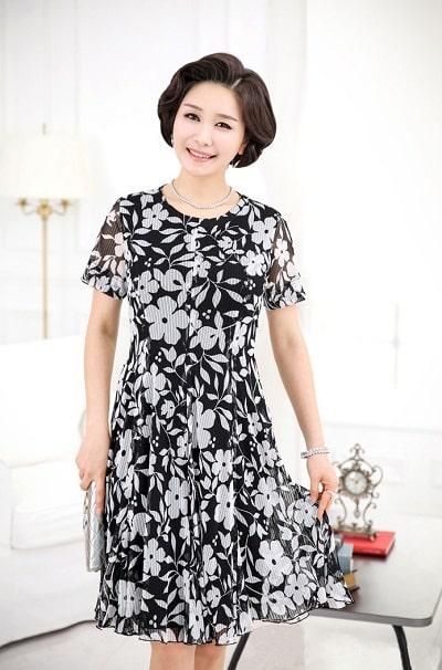 Đầm đẹp tuổi 45: Đầm voan hoa trung niên