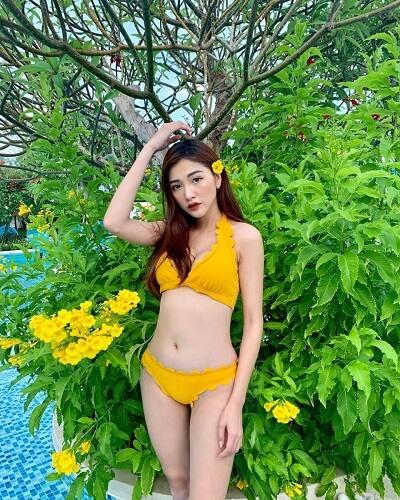 Mặc bikini đi Vũng Tàu tắm biển