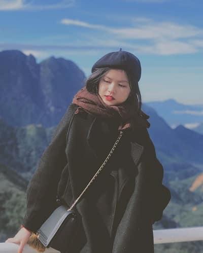 Những chiếc áo dạ dày cùng khăn len, mũ len vừa làm ấm vừa giúp bạn có một bộ trang phục đẹp