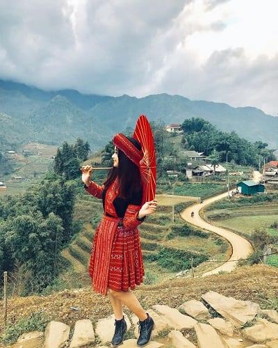 Xinh như cô gái dân tộc với trang phục đặc trưng của vùng miền tại đây