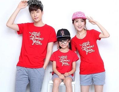 Áo gia đình Tết in chữ: Áo thun đỏ in chữ Tết Đoàn Viên