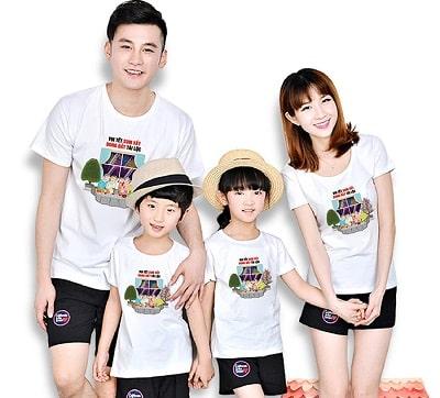 Áo gia đình Tết in chữ: Áo thun in hình gia đình vui tết bên nhau