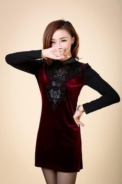 Đầm nhung đỏ phối ren