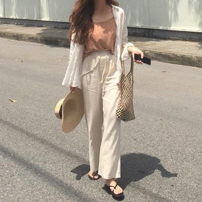 Mặc Áo thun màu cam 2 dây + Quần ống rộng cạp cao đi Phú Quốc