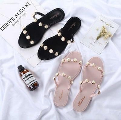 Mang Giày dép đi biển cho nữ đi Phú Quốc