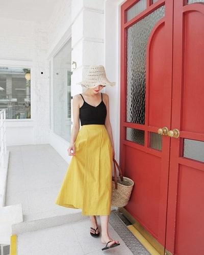Mặc Áo 2 dây + Chân váy đi Phú Quốc