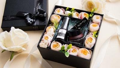 Lựa chọn những món quà tặng chăm sóc sức khỏe, mỹ phẩm làm đẹp đặc biệt dành cho các sếp nữ