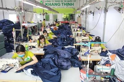 Đặt may áo khoác tại công ty Khang Thịnh
