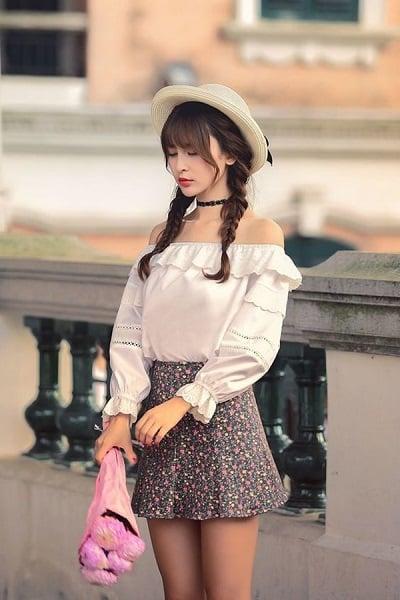 Chân váy hoa Hàn Quốc phối áo trễ vai