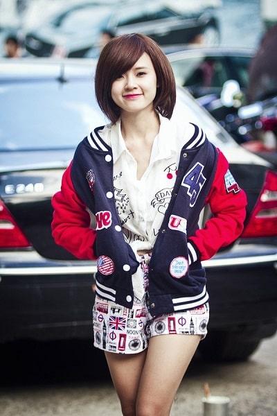 Những cô gái xứ Hàn đang chuộng kiểu áo khoác bomber này