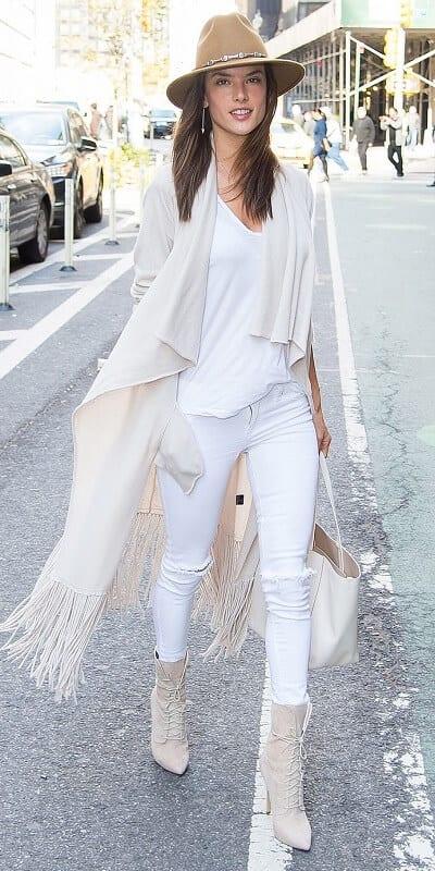 Áo khoác kiểu khăn + Áo thun + Quần Skinny