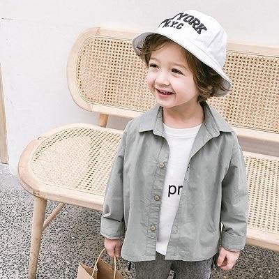 Áo sơ mi màu sắc nhẹ nhàng và mát mẻ cho bé trai.