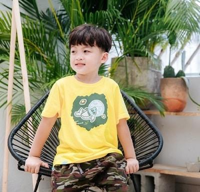 Gam màu vàng nổi bật cho xu hướng thời trang trẻ em 2021