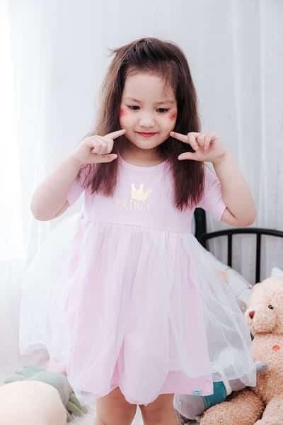 Đầm công chúa xinh xắn cho bé gái