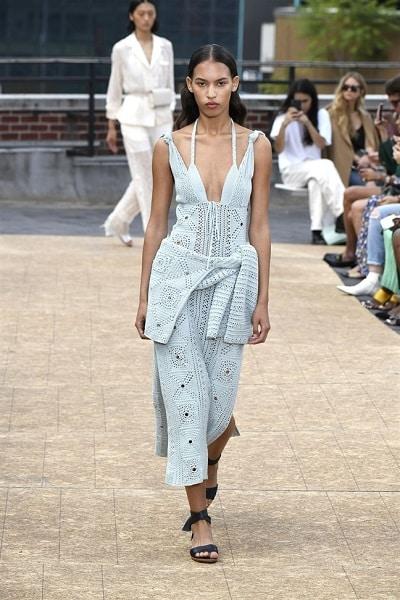 Thời trang len móc thống trị xu hướng thời trang xuân hè 2020