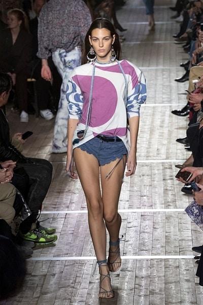 Quần short ngắn cũn thống trị xu hướng thời trang xuân hè 2020