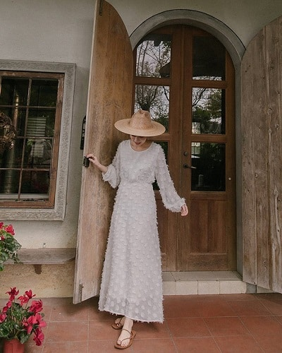 Váy trắng dáng dài
