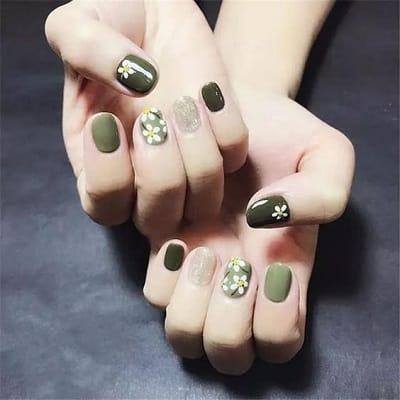 Mẫu nail đẹp xanh rêu