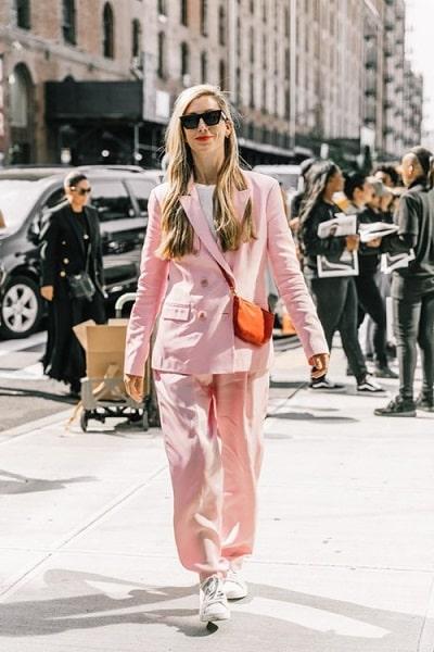 Suit hồng