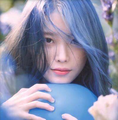 Màu tóc xanh cổ điển được sao hàn ưa chuộng đẹp nhất 2020