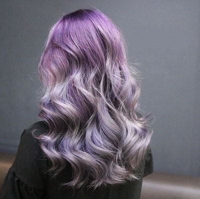 Màu tóc tím ombre mà bạn có thể áp dụng, nhạt hay đậm sắc tím ở vị trí nào của tóc sẽ tùy theo sở thích của bạn