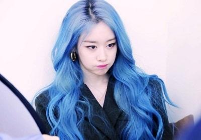 Mái tóc xanh hot trend 2020 khiến nàng đẹp hơn khiến FC phát cuồng