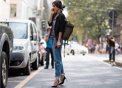 Jeans dáng boyfriend + Giày cao gót