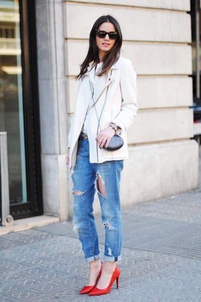 Jeans rách + Giày cao gót